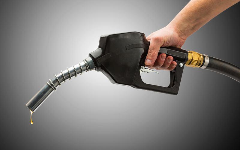 نخستین پمپ بنزین بخش سوق به بهره برداری رسید