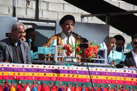 گزارش تصویری از نطق سخنرانی سید محمد موحد در جمع مردم سرفاریاب