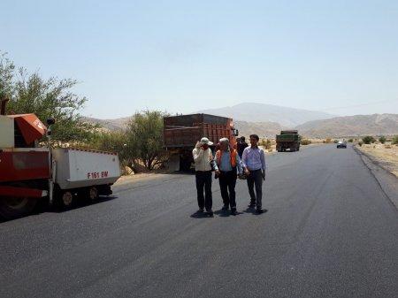 بازدید رئیس اداره راهداری وحمل نقل جاده ای کهگیلویه از روکش آسفالت دهدشت به بهبهان/تصاویر