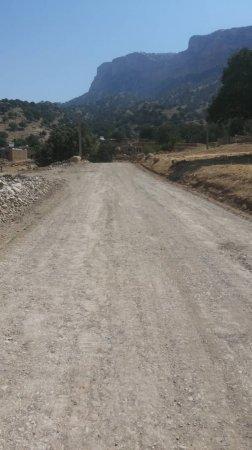 زیرسازی ۱۶ کیلومتر از راه های روستایی شهرستان لنده/تصاویر