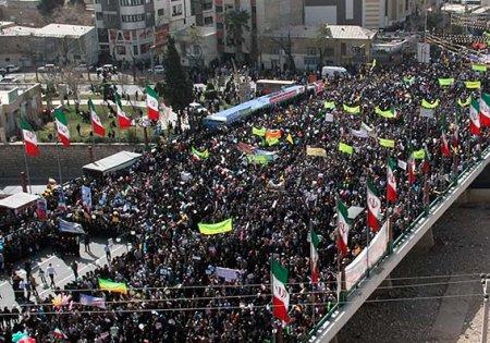 دکترمردانی  درگفتگو با راک نیوز: بهمن سرآغاز تاریخ اقتدارایران اسلامی است+عکس