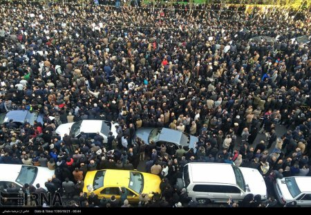 اولین تصویر هوایی از ازدحام جمعیت درجلوی دانشگاه تهران+عکس