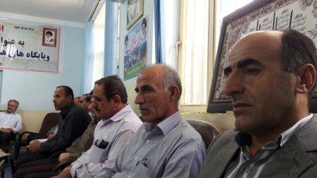 به مناسبت هفته جهاد کشاورزی مدیر و کارکنان این مدیریت با امام جمعه شهر دهدشت دیدار کردند.+تصاویر