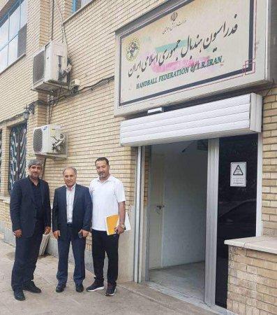 نشست صمیمی دستیار ویژه وزیر ارتباطات با رئیس فدراسیون هندبال ایران/تصاویر